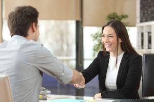 Embauche premier salarié démarches